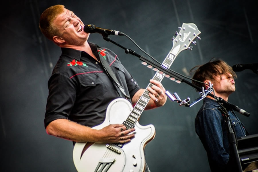Queens of the Stone Age back to Brazil after his participation at Lollapalooza in 2013, to present his new tour ""