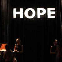 201105-desfile-hope-003