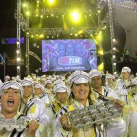 201202-carnaval-rio-sao-clemente-02