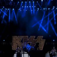 201211-kiss-09