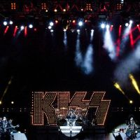 201211-kiss-07